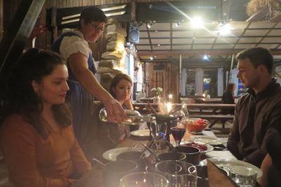Illallinen legendaarisessa Pehkubaarissa